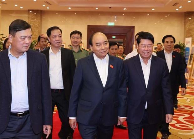 越南政府总理阮春福视察第37届东盟峰会的筹备工作 hinh anh 2