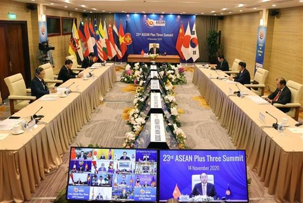 政府总理阮春福主持召开第23次东盟与中日韩领导人会议 hinh anh 2