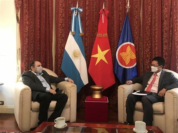 促进越南与阿根廷和印度尼西亚国家广播电台之间的合作 hinh anh 2
