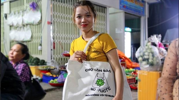 """昆岛""""对塑料袋说不"""" hinh anh 1"""
