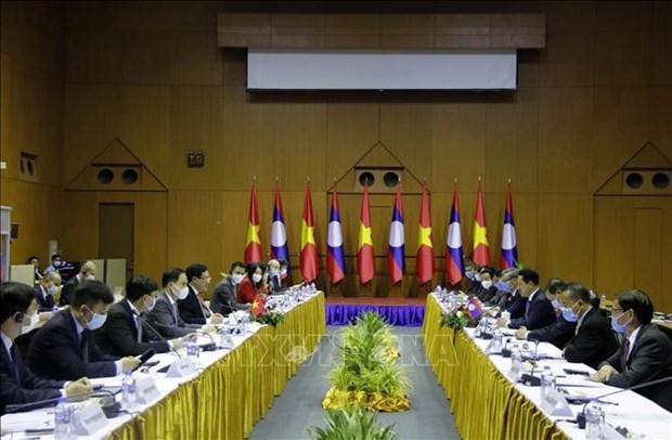 第七次越老外交部部长级政治磋商在万象举行 hinh anh 2
