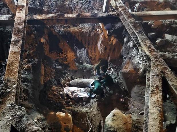 河内市安全转移处理一枚340公斤的炸弹 hinh anh 1