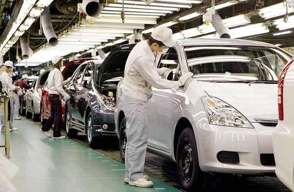 马来西亚:制造业与服务业引进投资额保持全国领先 hinh anh 1