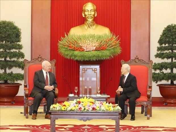 越共中央总书记、国家主席阮富仲会见俄罗斯驻越大使弗努科夫 hinh anh 1