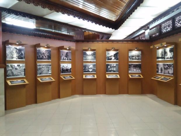 纪念越南与印尼建交65周年图片展在巴厘开展 hinh anh 1