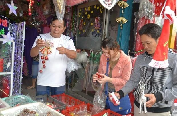 圣诞来临 岘港市圣诞装饰畅销 hinh anh 1