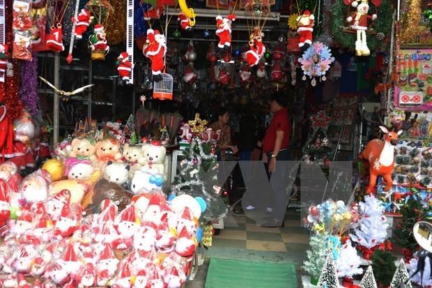 圣诞来临 岘港市圣诞装饰畅销 hinh anh 2