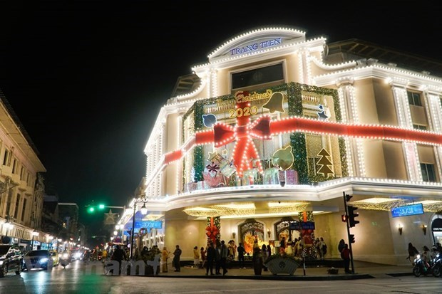 越南各地欢度圣诞节 到处都洋溢着圣诞气氛 hinh anh 1