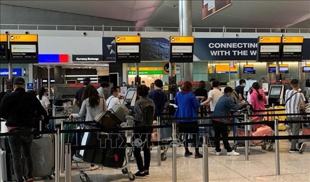 新冠肺炎疫情:将在欧洲的近280名越南公民接回国 hinh anh 1