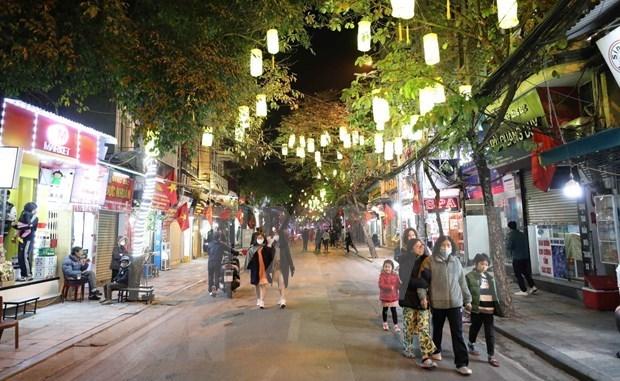 2021年元旦假期河内市接待游客量超过11.8万人次 hinh anh 1