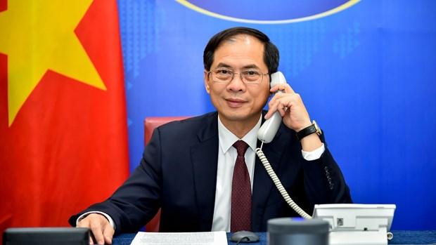 越南重视并希望加强与波兰的各个领域的合作关系 hinh anh 1