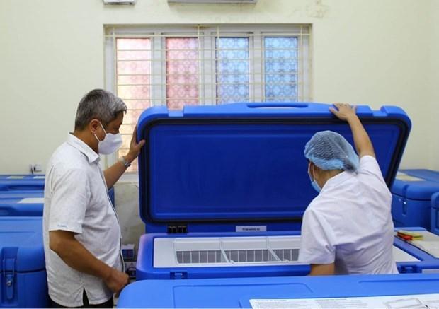 由全球疫苗免疫联盟赞助的174台疫苗冷藏箱成功运抵越南 hinh anh 1