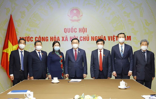 俄罗斯联邦考虑在越南进行Sputnik V新冠疫苗生产技术转让 hinh anh 2