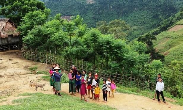 大力关注得农省少数民族同胞物质和精神生活 hinh anh 1