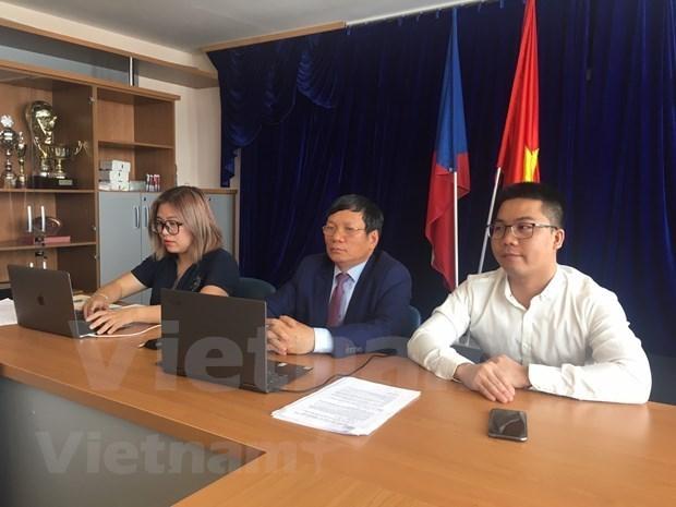 旅居欧洲越南年轻一代希望为国家建设事业做出贡献 hinh anh 1