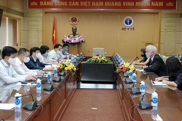 越南外交部门主动当好将新冠疫苗带回国使命 hinh anh 2