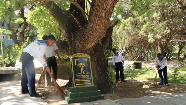 遗产树——长沙群岛的领土主权界碑 hinh anh 2