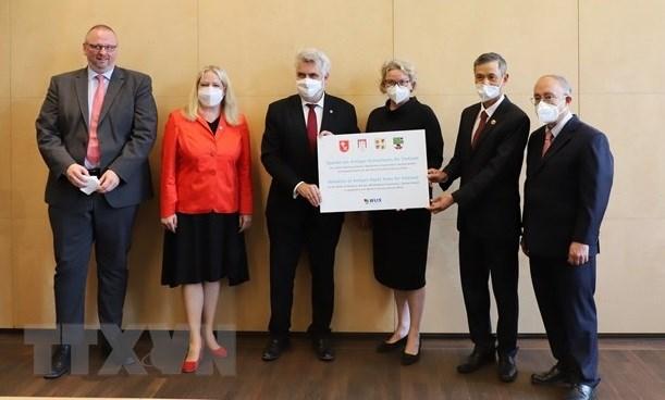 德国向越南捐赠19万套快速检测试剂盒 hinh anh 1