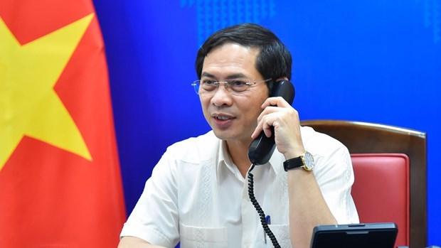 越南外交部部长裴青山与挪威外交大臣瑟雷德通电话 hinh anh 2