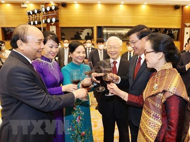 越南与老挝发表联合声明 hinh anh 2
