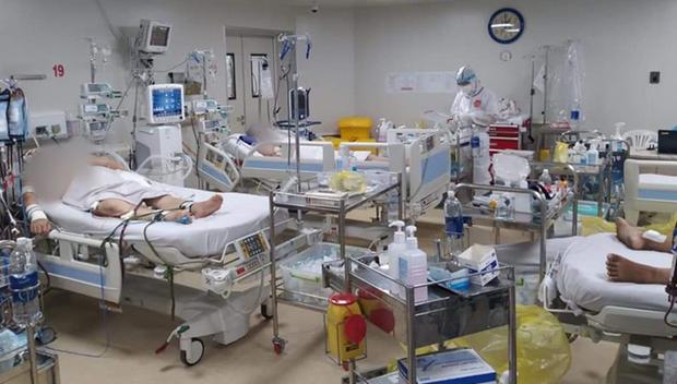 新冠肺炎疫情:越南新增5例死亡病例 hinh anh 1