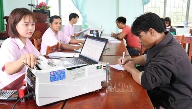 越南130万个贫困户获得政策性贷款 hinh anh 1