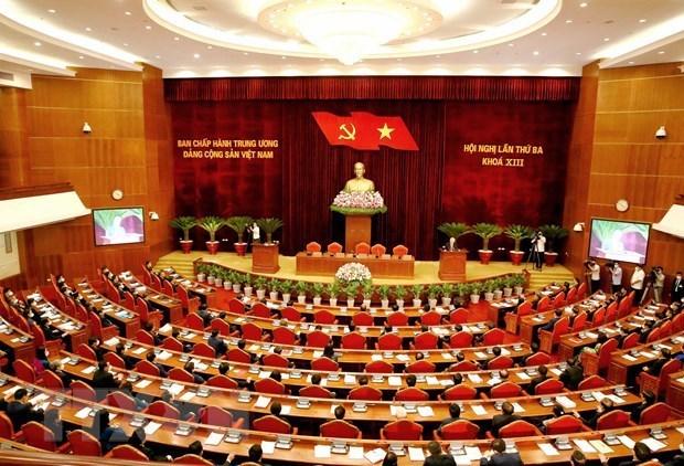越共第十三届中央委员会第三次全体会议落下帷幕 hinh anh 1