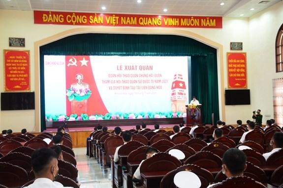 越南人民海军代表团启程前往俄罗斯参加2021年国际军事比赛 hinh anh 1