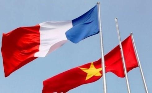 越南领导人致电祝贺法国国庆232周年 hinh anh 1