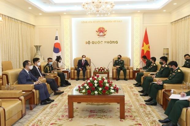 越南与韩国和印度加强防务合作 hinh anh 1