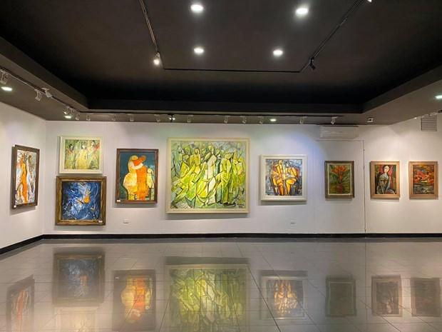 """""""画感""""绘画展为观众传递乐观精神与正能量 hinh anh 1"""