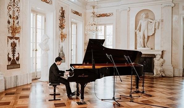 越南副外长致函祝贺越南年轻艺术家晋级第18届肖邦国际钢琴大赛总决赛 hinh anh 1