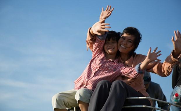 越南举行电影放映活动 庆祝八月革命胜利和国庆76周年 hinh anh 1