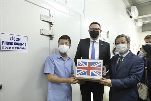 越南继续获得英国政府捐赠的41.5万剂阿斯利康疫苗 hinh anh 2