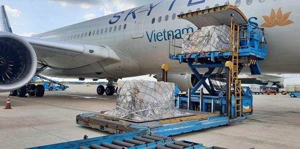 由德国赠送的20.3万套快速检测试剂盒已运抵越南 hinh anh 1