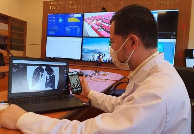 加强利用远程医疗系统来救治新冠患者 hinh anh 1