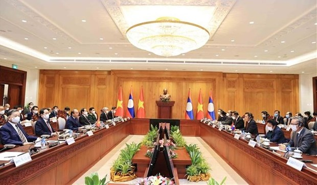 越南国家主席阮春福会见老挝国会主席赛宋蓬·丰威汉 hinh anh 1