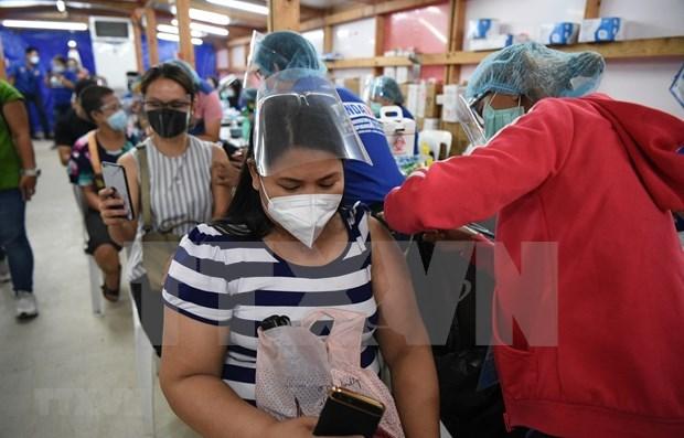 东南亚疫情:泰国单日新增确诊病例创新高 菲律宾延长针对10国的入境禁令 hinh anh 1