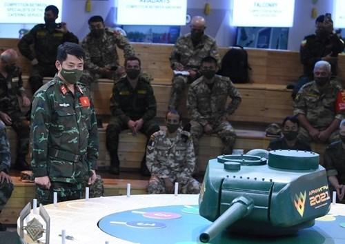 越南人民军坦克参赛队将采取红色涂装的坦克参加比赛 hinh anh 1