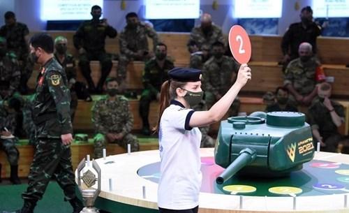 越南人民军坦克参赛队将采取红色涂装的坦克参加比赛 hinh anh 2