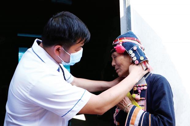 莱州省发挥乡村医务人员队伍的作用 hinh anh 1