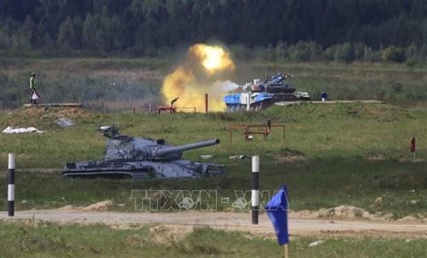 """2021年国际军事比赛:越南参赛队圆满完成""""坦克两项""""首战任务 hinh anh 1"""