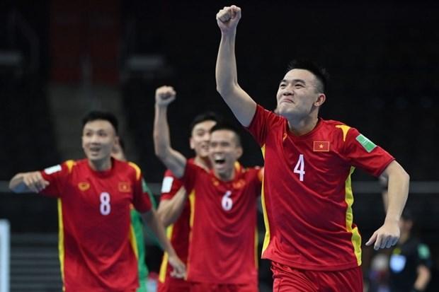 立陶宛2021国际足联室内五人制足球世界杯:越南队1-1战平捷克队晋级淘汰赛 hinh anh 3