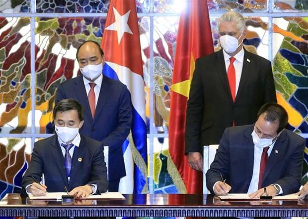 古巴国家主席主持仪式 欢迎阮春福主席对古巴进行正式访问 hinh anh 3