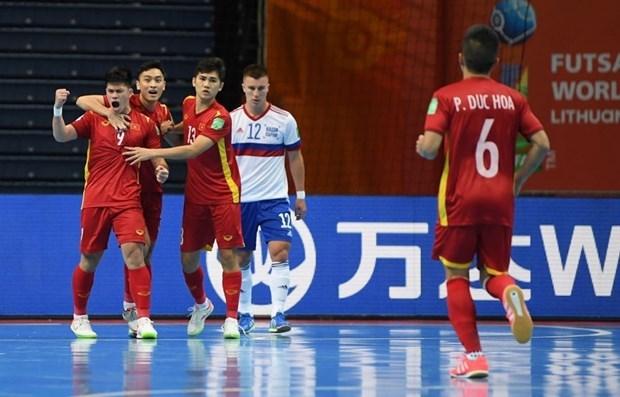 2021国际足联室内五人制足球世界杯:俄罗斯媒体盛赞越南队的比赛精神 hinh anh 1
