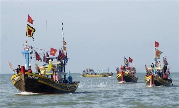 平顺省致力于保护和弘扬沿海地区渔民传统文化特色 hinh anh 1