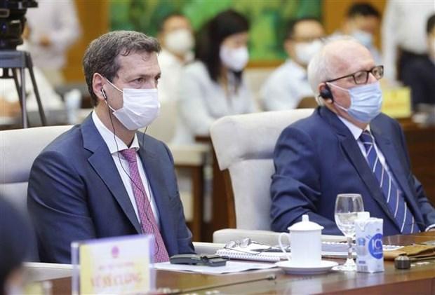越南国会主席王廷惠主持召开经济社会领域专家座谈会 hinh anh 2