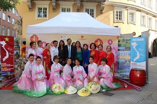 越南在德国奥格斯堡多元文化节上的烙印 hinh anh 1