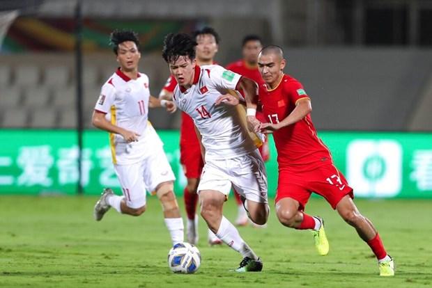 世界杯亚洲区预选赛12强赛:中国队以3比2击败越南队 hinh anh 1