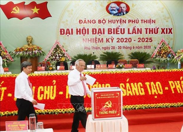 Tien toi Dai hoi XIII cua Dang: Phu Thien phan dau nam 2025 tro thanh huyen nong thon moi hinh anh 2